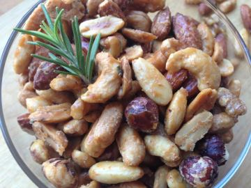 Mixed Maple Nuts